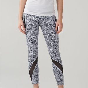 Lululemon Inspire Tight II Miss Mosaic White Blk 6